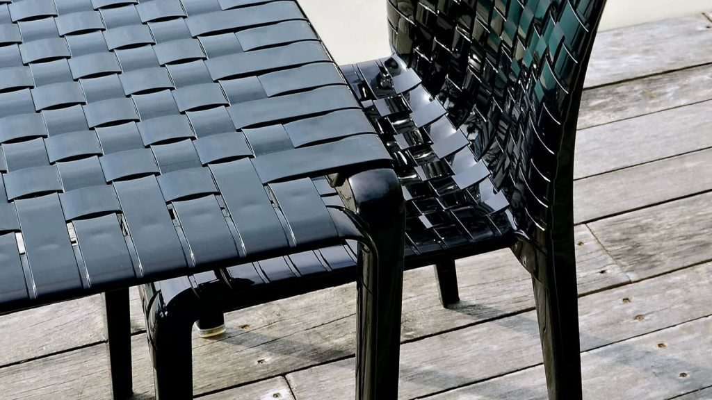 Minimalist Ami Ami contemporary woven patio table and chair